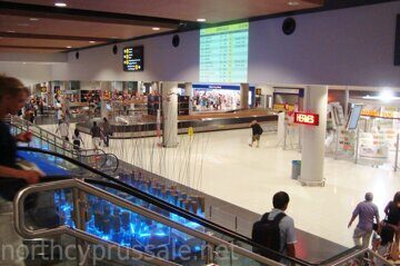 Baggage_claim_area_of_Larnaca_International_Airport_in_Republic_of_Cyprus